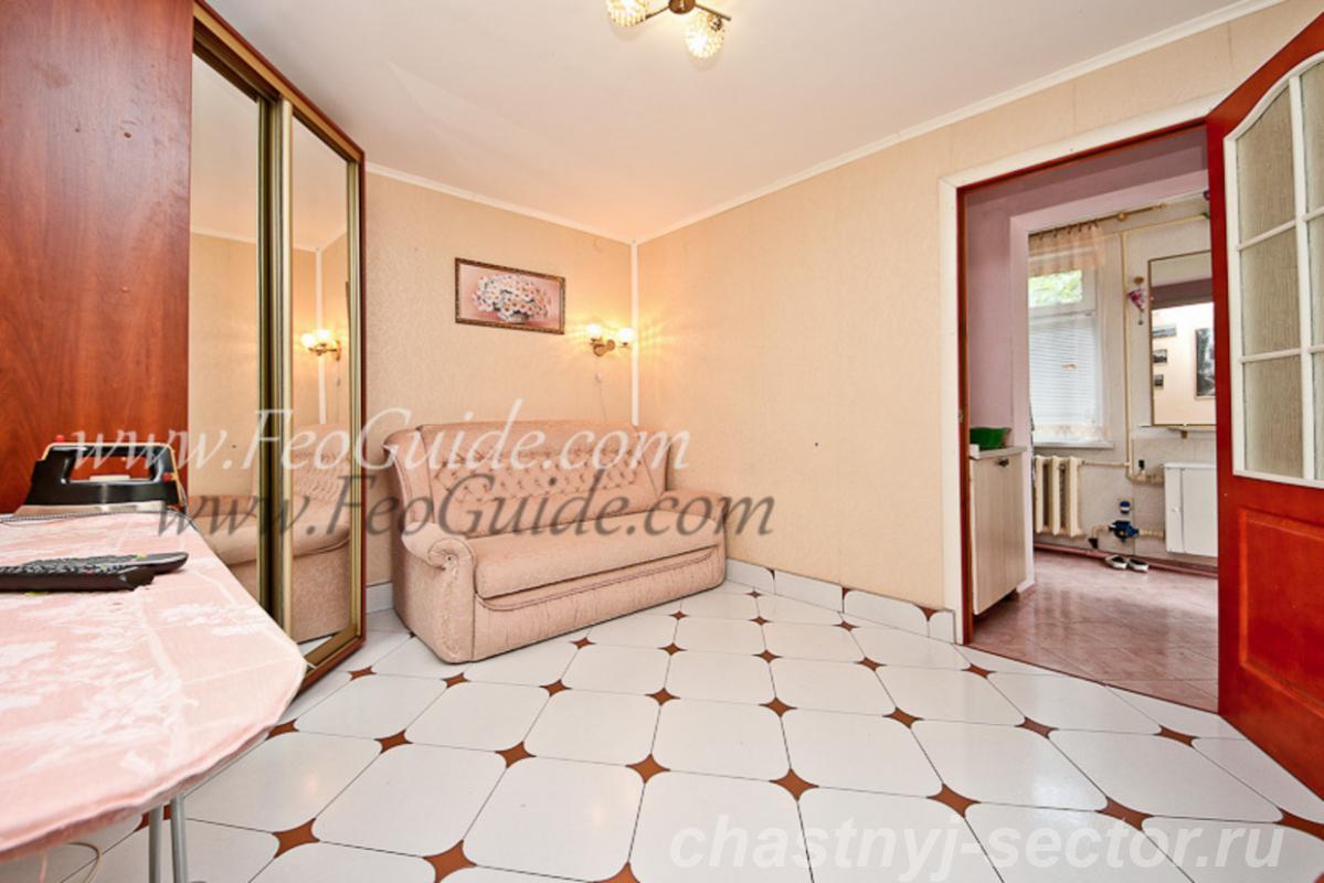 Двух комнатный дом со всеми удобствами в центре Феодосии. +79787433813