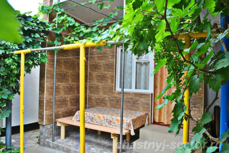 Частный дом У Людмилы +79788295162