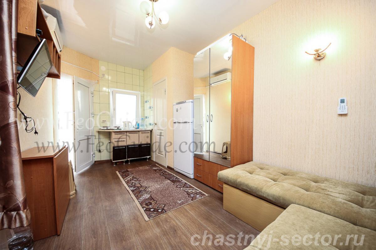 Снять однокомнатный домик в центральной части Феодосии. +79787433813