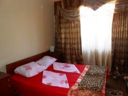 Квартира 3 - комнатная в центре г.  Гагра