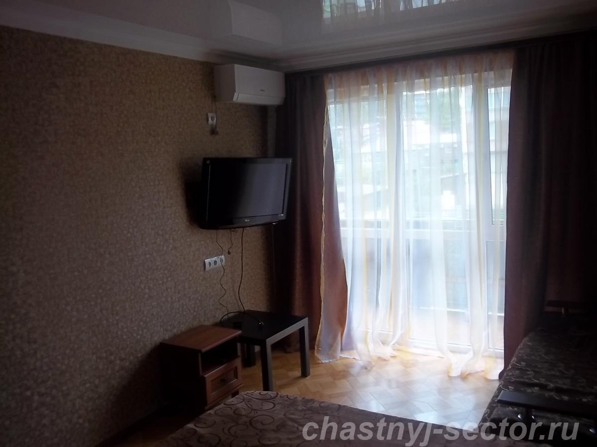 Сдаю квартиру 1 - комнатную в г.  Гагра +79407708414