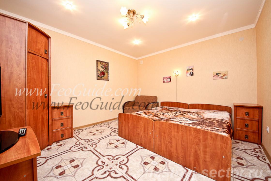 Уютный двухкомнатный домик,  со своим отдельным двориком +79787433813